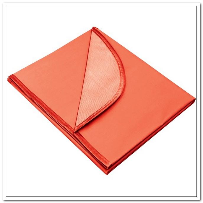 Клеёнка цв.д/труда deVENTE 50х70см  красная, водоотталк.ткань